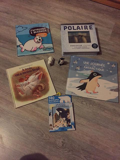 > J'apprends à dessiner : Les animaux du Grand Nord  > Polaire  > A trois on a moins froid  > Une journée en antarctique  > Gommettes Les animaux de la banquise