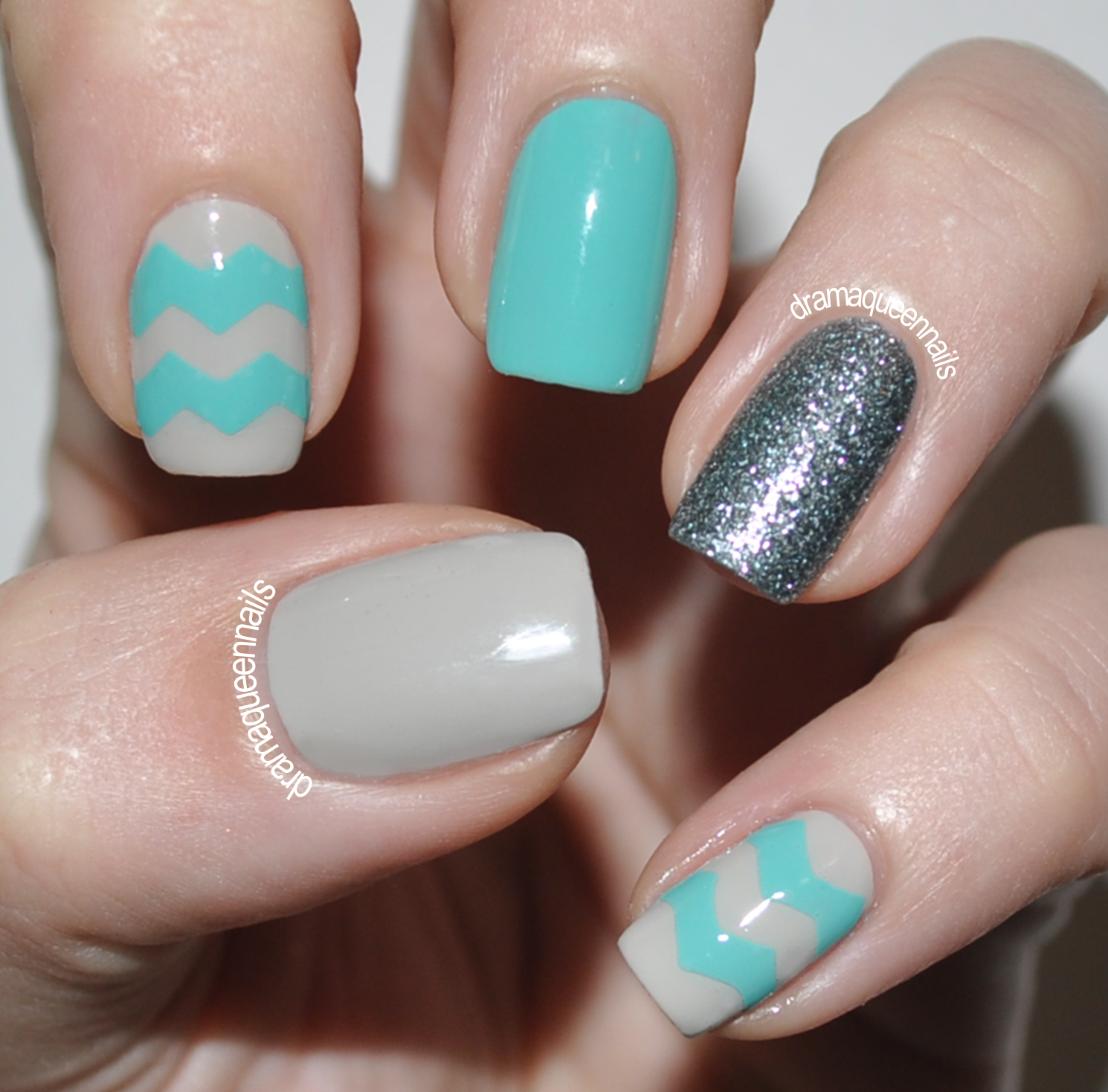 Holiday Nails Hours: Drama Queen Nails: Crafty Zig Zags