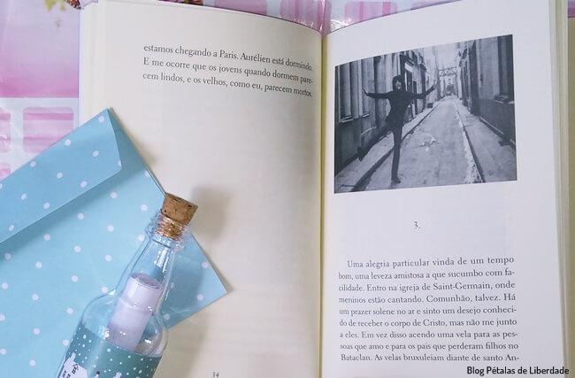 Resenha, livro, Devocao, Patti-Smith, Tag-Livros, companhia-das-letras, sinopse, capa, foto, opiniao, trecho, blog-literario, petalas-de-liberdade-blog