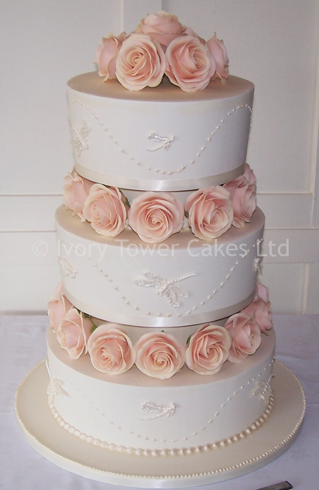 pictures of 3 tier wedding cakes confession of a beautyholic inspiracje slubne tort 18380