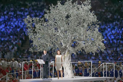 http://sport.gr.msn.com/olympic-games/pictures-of-the-day/%CE%B5%CE%B9%CE%BA%CF%8C%CE%BD%CE%B5%CF%82-%CE%B1%CF%80%CF%8C-%CF%84%CE%B7%CE%BD-%CF%84%CE%B5%CE%BB%CE%B5%CF%84%CE%AE-%CE%AD%CE%BD%CE%B1%CF%81%CE%BE%CE%B7%CF%82-%CF%84%CF%89%CE%BD-%CE%BF%CE%BB%CF%85%CE%BC%CF%80%CE%B9%CE%B1%CE%BA%CF%8E%CE%BD-%CE%B1%CE%B3%CF%8E%CE%BD%CF%89%CE%BD-%CF%84%CE%BF%CF%85-2004?page=7#image=59