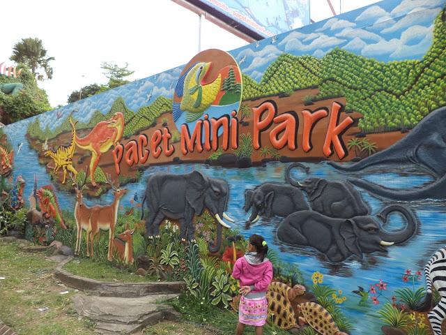 Tampak Dinding depan Pacet Mini Park