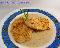 Pollo en filetes con rebozado de avellanas y su salsa