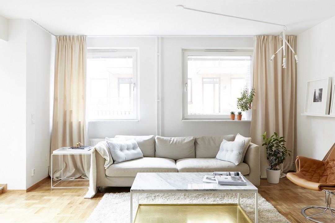d couvrir l 39 endroit du d cor jolie association de couleurs blanc cr me beige cuir. Black Bedroom Furniture Sets. Home Design Ideas