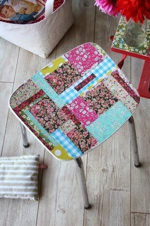 ma maison au naturel customisez une chaise avec du tissu. Black Bedroom Furniture Sets. Home Design Ideas