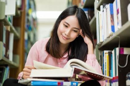 Soal Menentukan Makna Rujukan UNBK SMA