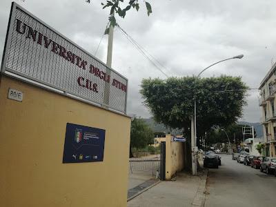 La struttura polivalente del CUS Palermo, posta in via Altofonte ma inaccessibile pedonalmente dagli abitanti a monte