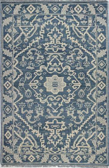 I love farmhouse style, the color blue, and cushy rugs! Here are ten of my favorite blue rugs. All of them perfect for creating that farmhouse style! this one looks vintage