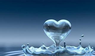 Imagen de un corazón de agua