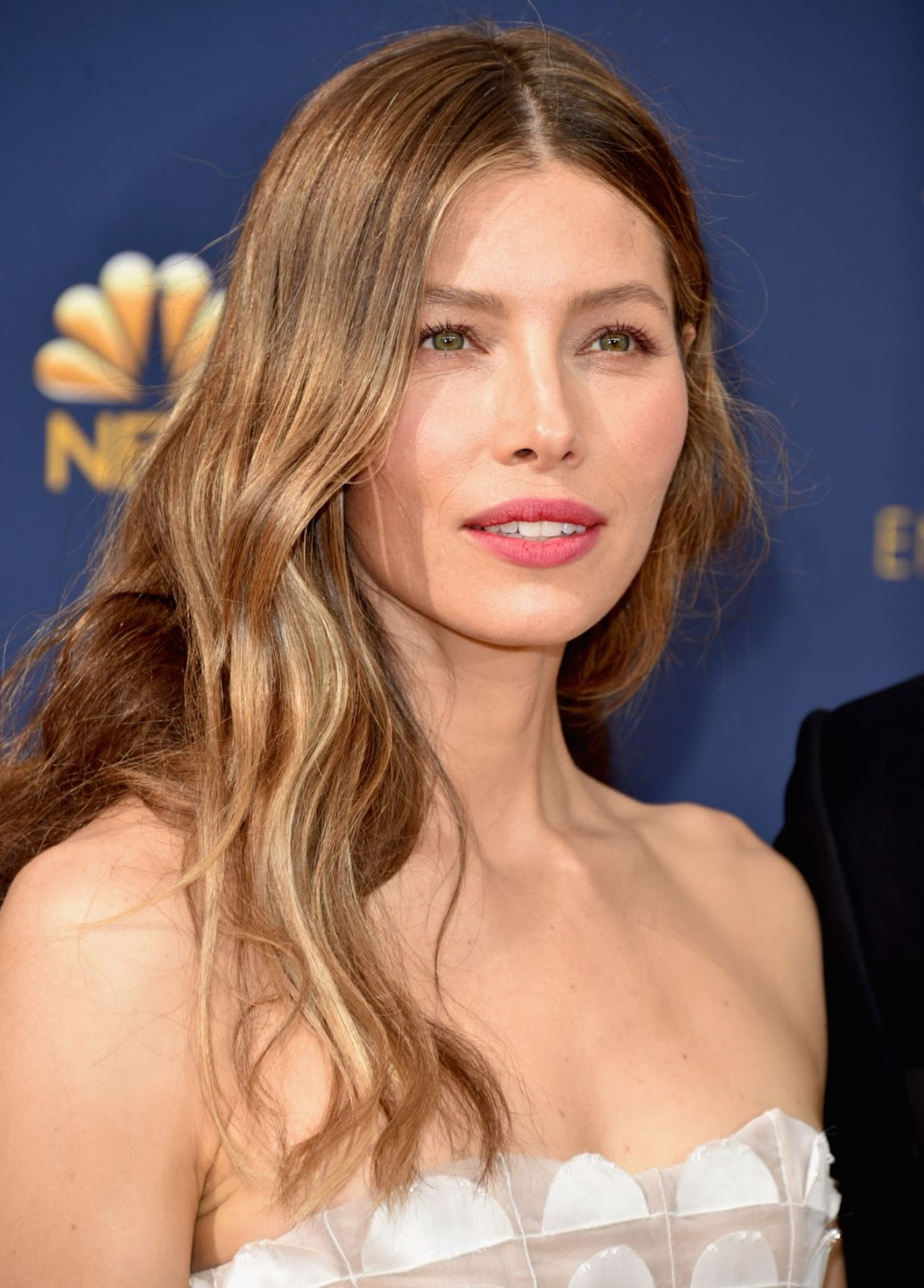 Jessica Biel goes strapless in Ralph Lauren at the 2018 Emmys Jessica Biel