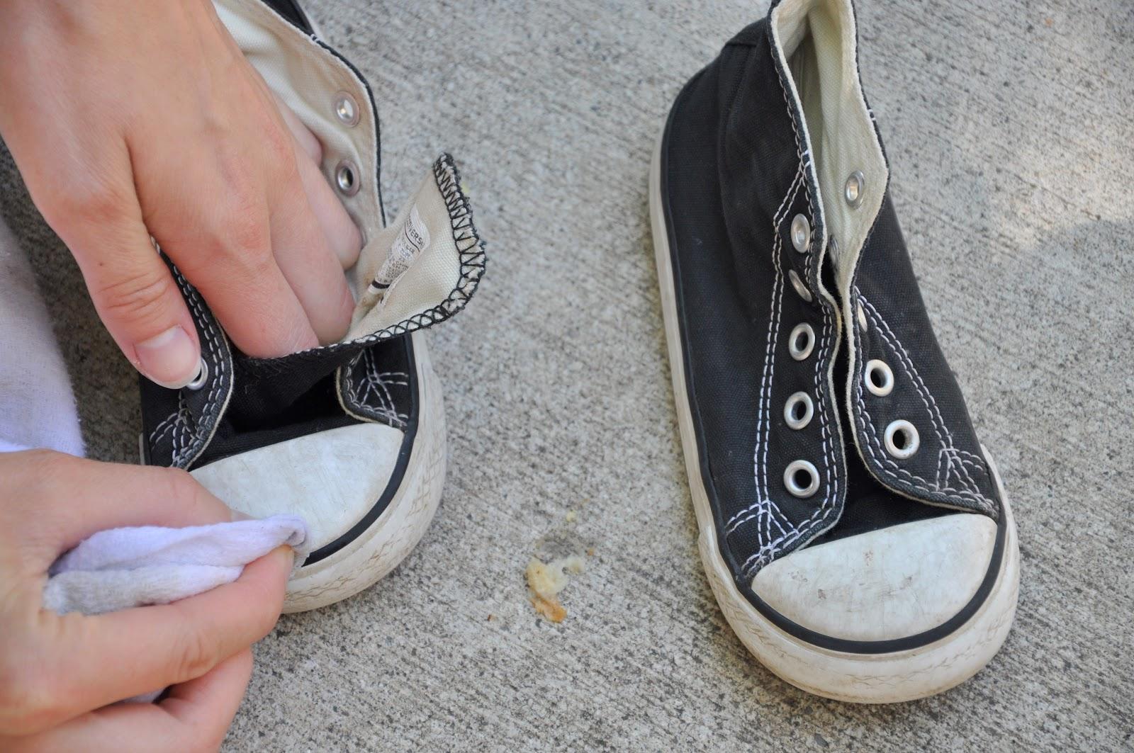 Как убрать желтые пятна с белой подошвы фото