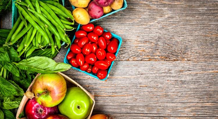 W których owocach i warzywach jest najwięcej pestycydów?