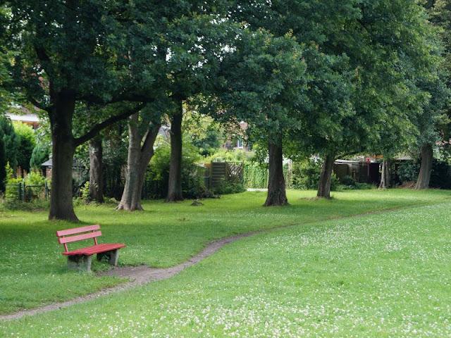 5 Spielplätze im Kieler Süden mit dem gewissen Extra. Tolle Grünflächen & mehr bietet der Spielplatz in Elmschenhagen.
