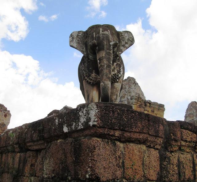 Elefante de Mebón Oriental en Angkor, Camboya