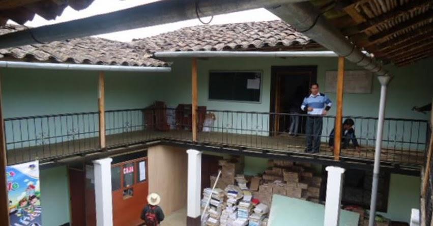 Alumnos de instituto «Pedro Ortiz Montoya» protestan contra UGEL Celendín - Cajamarca