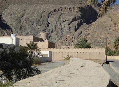Falaj Al-Khatmeen a Birkat Al Mouz