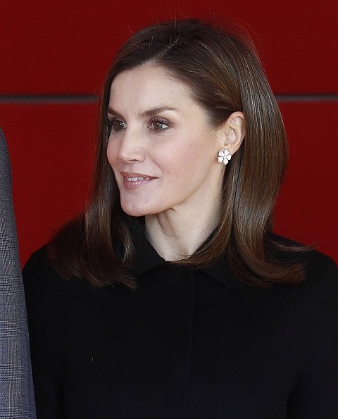 Queen letizia wore Prince Of Wales flower-patterned dress by Carolina Herrera, Magrit pumps, Felipe Varela