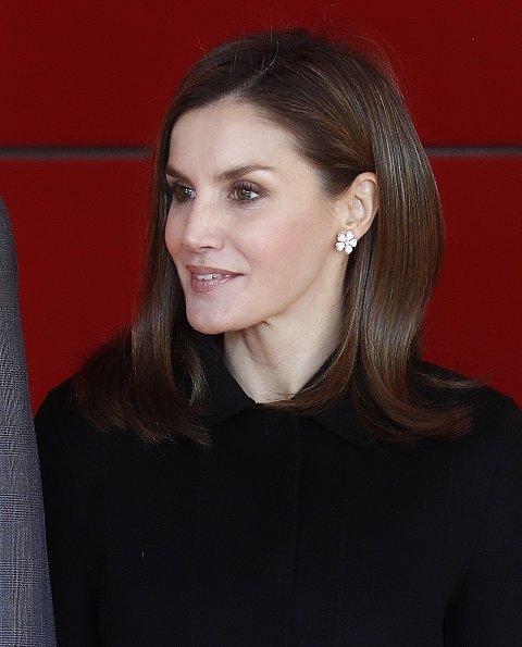Queen letizia wore Prince Of Wales flower-patterned dress by Carolina Herrera, Magrit pumps, Felipe Varela