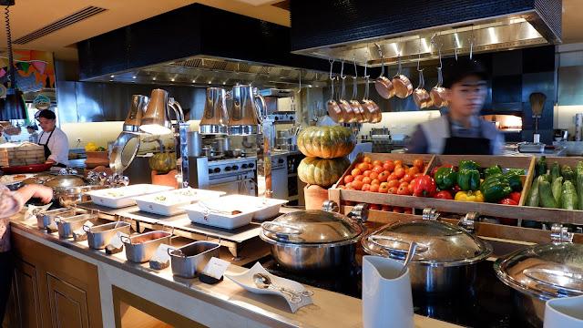 conrad hotel buffet breakfast