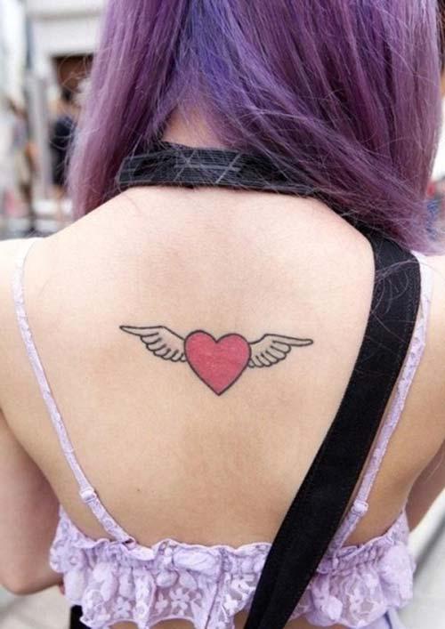 kanatlı kalp dövmesi sırt heart tattoo with wings on back