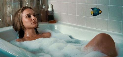 To da loos Celebs in tubs Natalie Portman