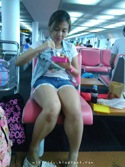 makan di don mueang airport
