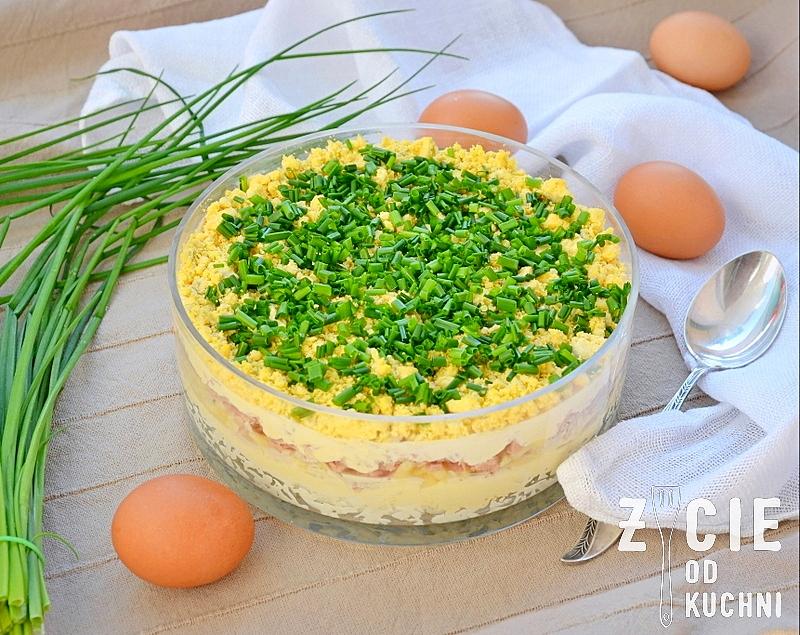 salatka warstwowa, salatka z tunczykiem, salatka jajeczna, salatka na sylwestra, salatka na impreze, impreza, salatka, salatka na impreze, zycie od kuchni