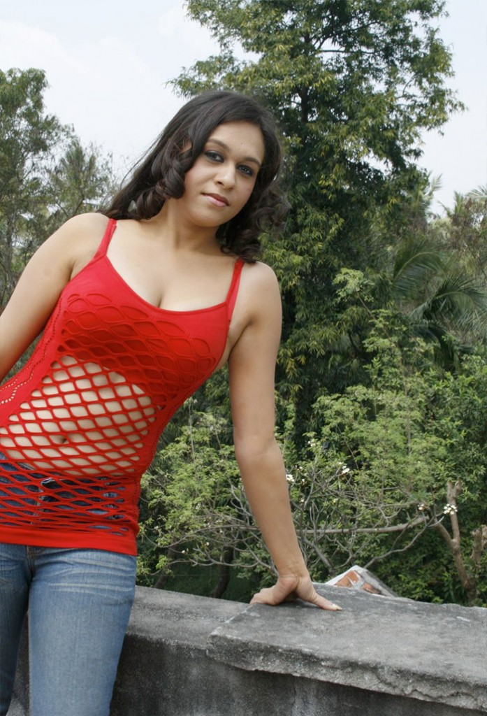 Latest Movies Gallery Parithi Tamil Movie Actress Hot -8469