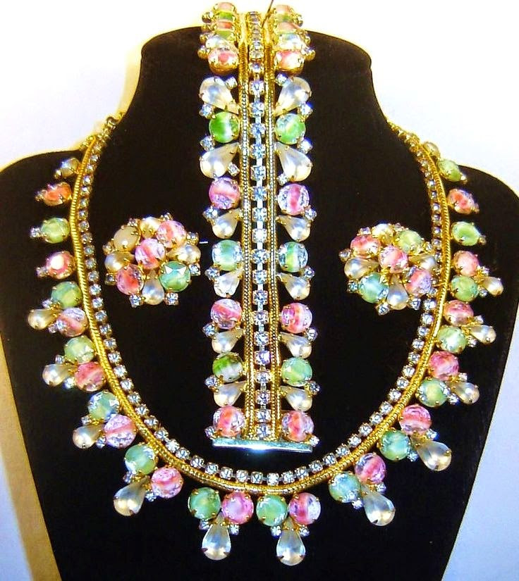 Researching Costume Jewelry History Jewelry marks A & Vintage Costume Jewelry Designer Company History - dinocro.info