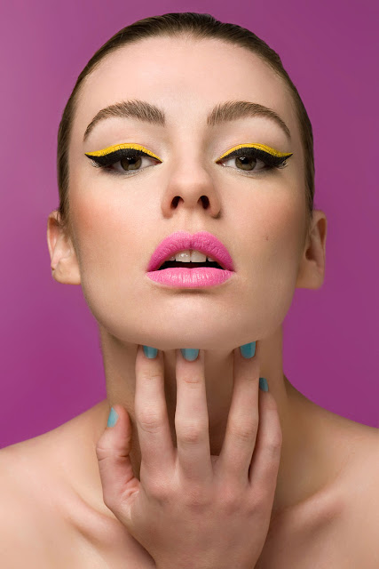HOW TO: Brightly coloured liquid liner