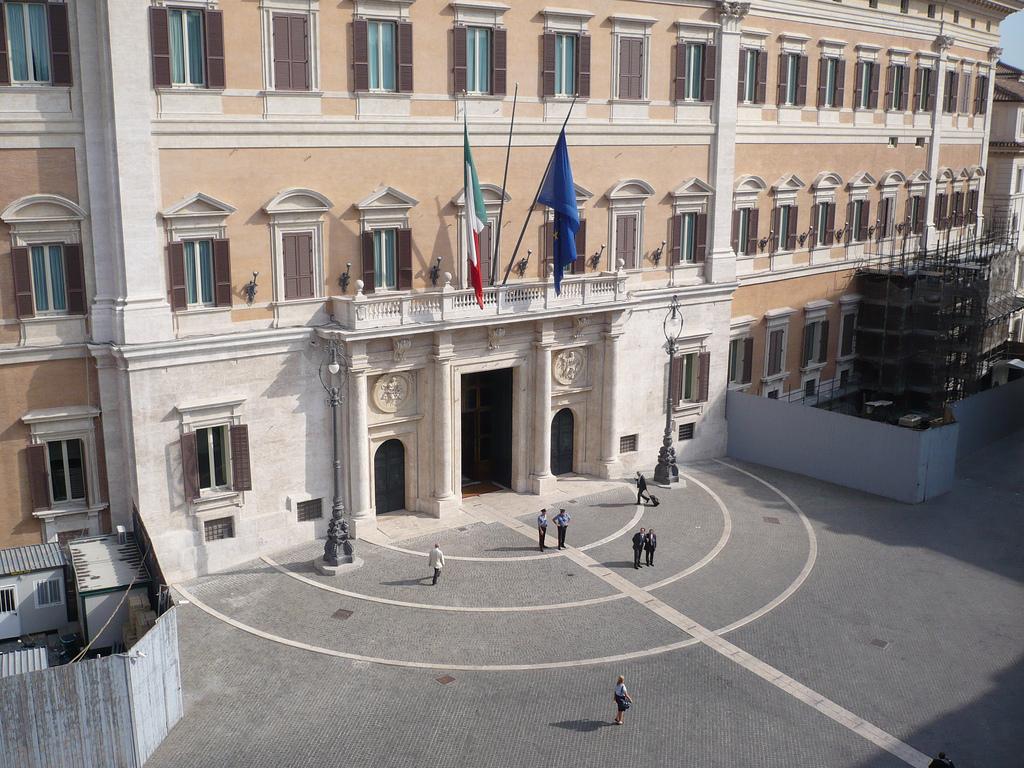 Andrea carancini palazzo montecitorio la knesset italiana for Palazzo camera dei deputati