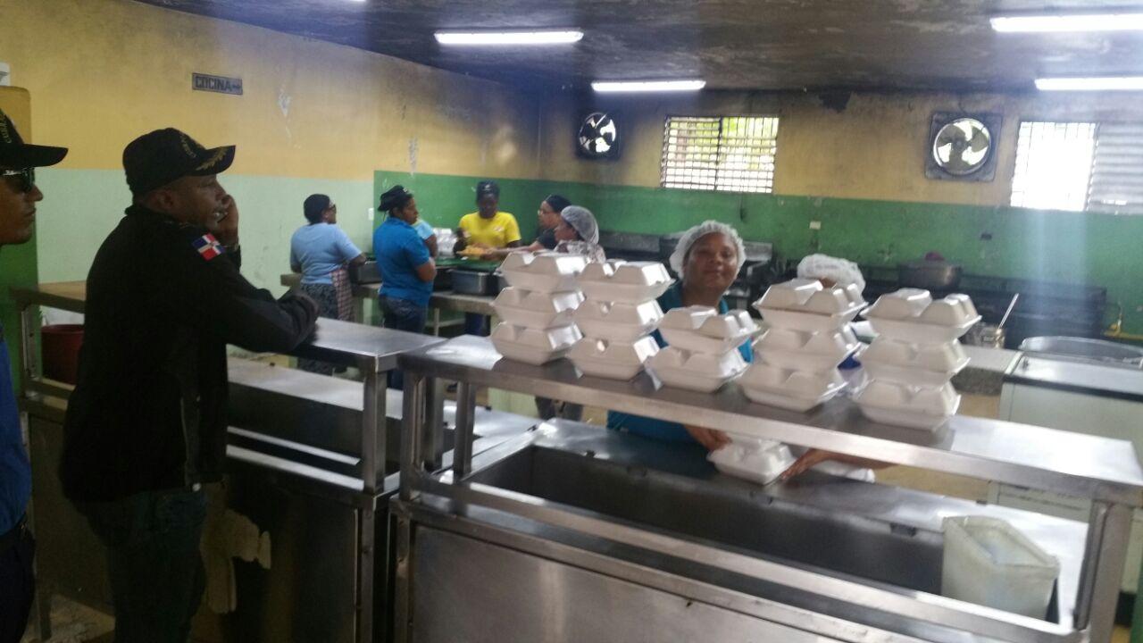 NEIBA: Comedores Económicos entrega raciones cocidas a socorristas ...
