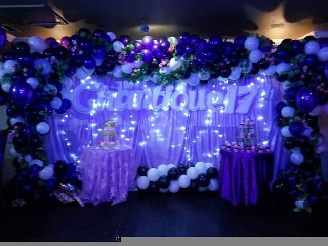 Foto dekorasi balon, kain, bunga, & lampu event sweet seventeen 17 tahun