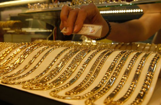 سعر الذهب اليوم الأربعاء14/12/2016 تسجل إرتفاع 10 جنيهات وعيار 21 يسجل 600 جنيه بالفيديو
