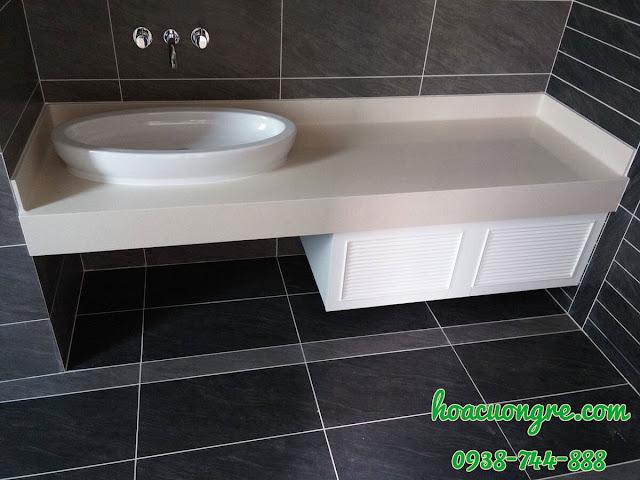 mặt bàn lavabo bằng đá trắng sứ