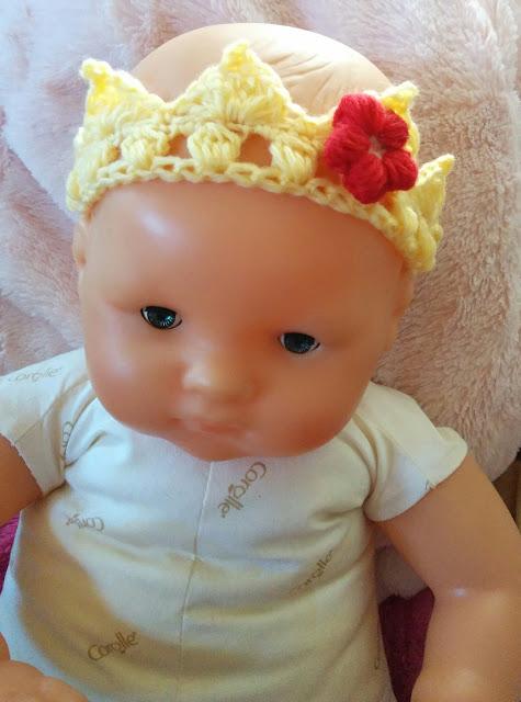 かぎ針編みのティアラ