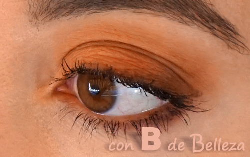 Maquillaje ojos marrones naranja