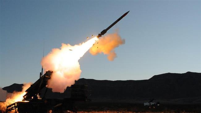 As Forças de Defesa Aérea da Arábia Saudita abateram um míssil balístico disparado pelos houthis, disse o comando da Coalizão Árabe