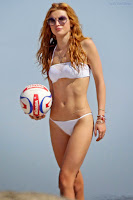 Bella Thorne flaunts bikini body on a Californian beach