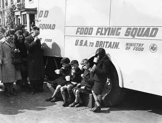 11 April 1941 worldwartwo.filminspector.com Coventry mobile canteen