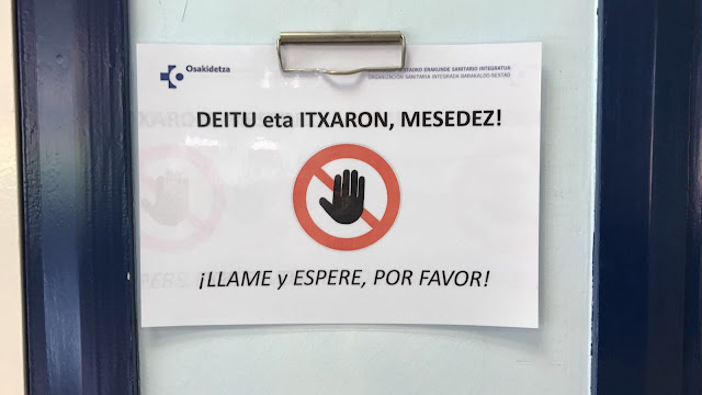 cartel en una consulta del ambulatorio de Cruces
