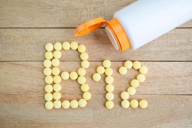 نقص فيتامين B12.. الأسباب والأعراض وطرق العلاج