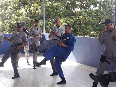 Agentes Policía Nacional reciben entrenamientos en táctica de arresto y defensa personal