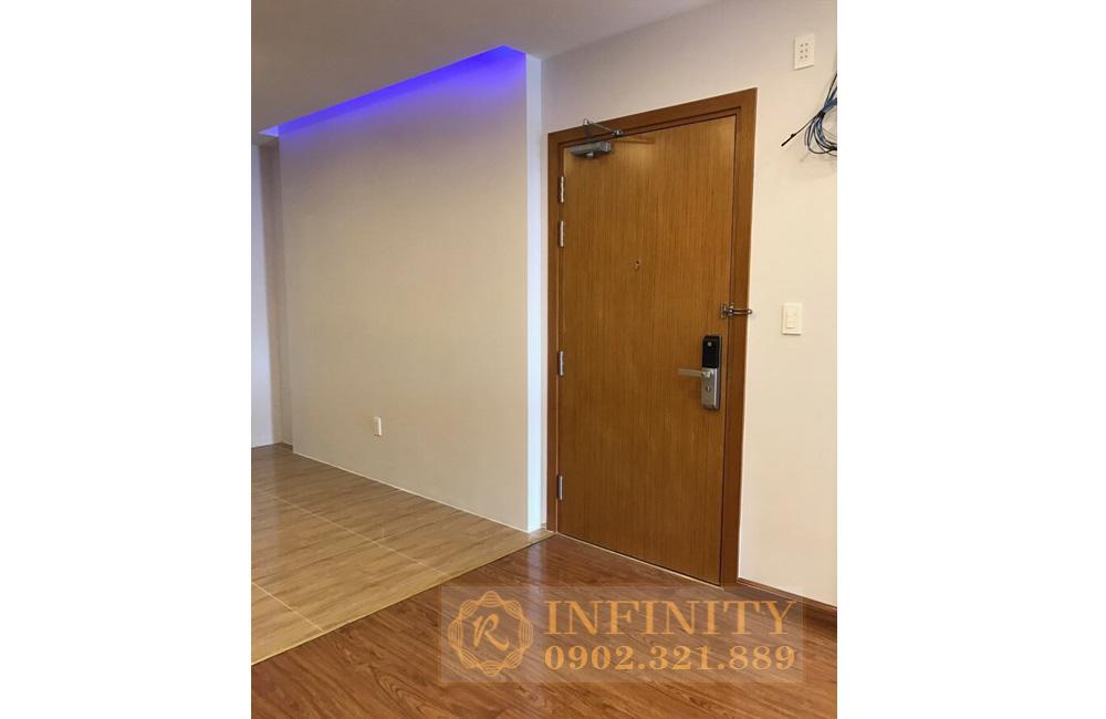 cho thuê văn phòng everrich infinity - cửa chính