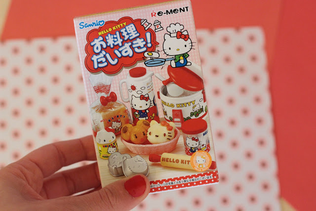 Miniatures Re-Ment hello kitty