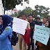 """Puluhan Guru Lulus Test CPNS tahun 2013 Demo di Pemko Batam """"Keluarkan Mint NIP Kami Pak"""""""