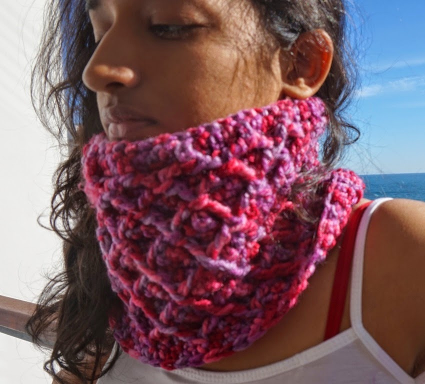 free crochet cowl pattern, free crochet diamond pattern, free crochet using fpdc, crochet front post double crochet,