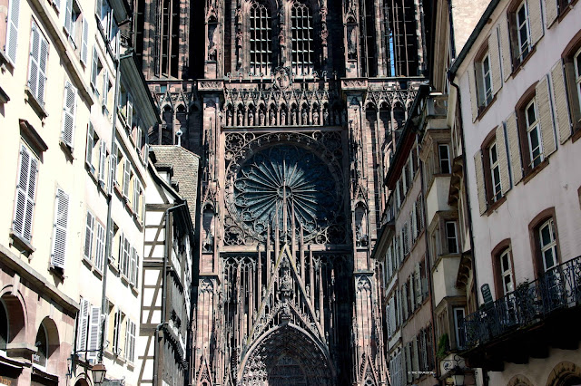 Cathédral Notre-Dame de Strasbourg and facades in the old town