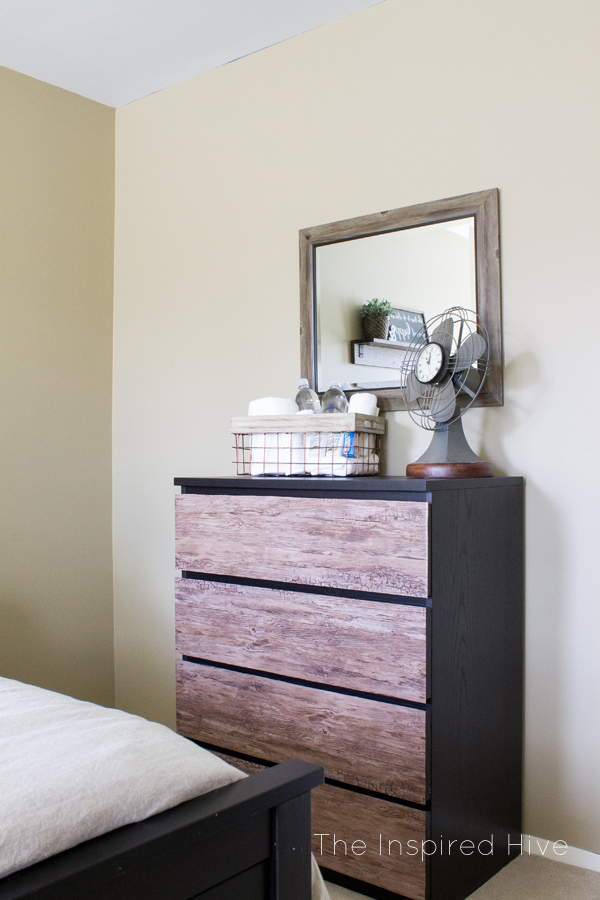 Super easy rustic industrial ikea malm dresser hack the for Ikea schreibtisch malm weiay