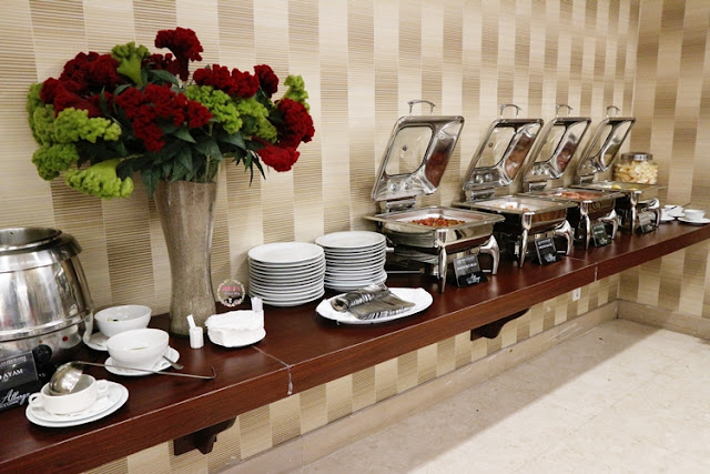 breakfast at Albergo Resto and Lounge The Bellezza Suites Hotel